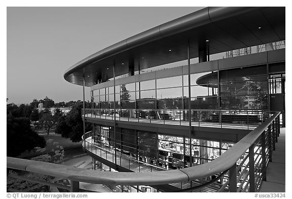 James Clark Center, dusk. Stanford University, California, USA (black and white)
