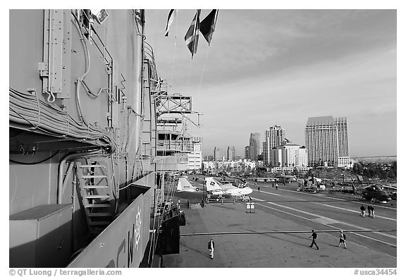 Flight deck and San Diego skyline seen from the USS Midway. San Diego, California, USA (black and white)