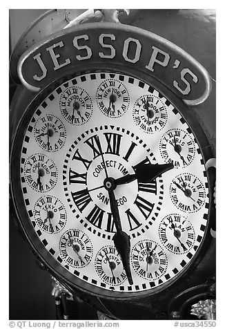 Detail of Jessops clock. San Diego, California, USA (black and white)