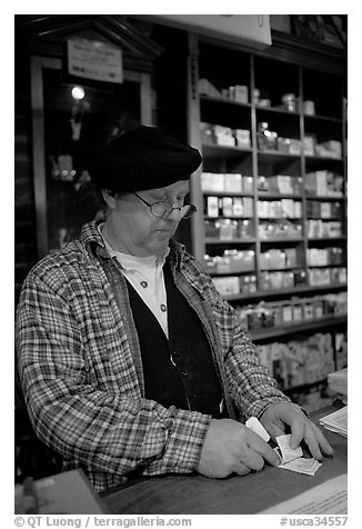 Clerk in Tobacco shop, Old Town. San Diego, California, USA (black and white)