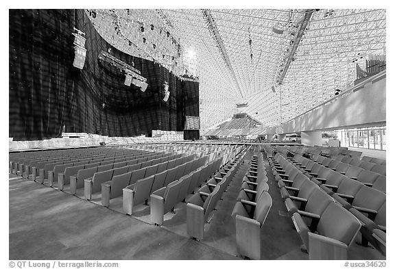 Interior of the Crystal Cathedral with set for the Glory of Christmas. Garden Grove, Orange County, California, USA (black and white)