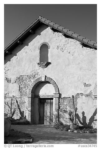 Soldiers barracks. San Juan Capistrano, Orange County, California, USA (black and white)