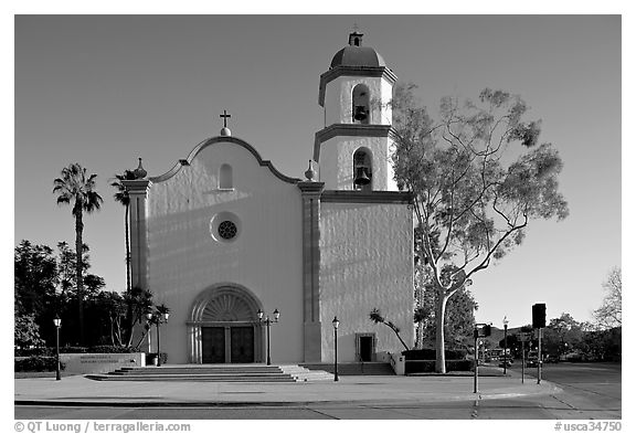 Mission basilica. San Juan Capistrano, Orange County, California, USA (black and white)