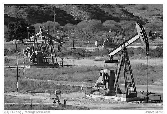 San Ardo Oil field. California, USA (black and white)