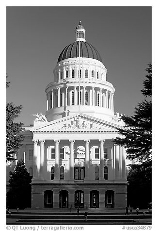 State Capitol of California, late afternoon. Sacramento, California, USA (black and white)