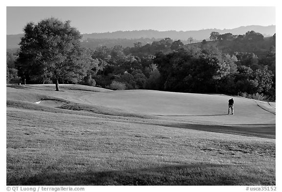 Black and white picture photo stanford golf course stanford university california usa