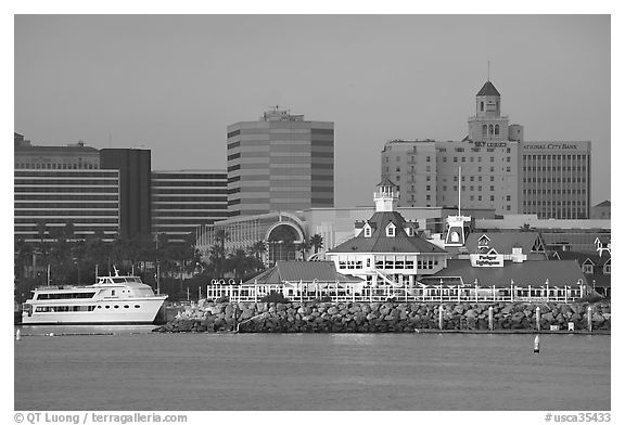 Parkers Lighthouse and skyline. Long Beach, Los Angeles, California, USA (black and white)