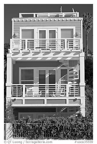 Colorful beach house. Santa Monica, Los Angeles, California, USA (black and white)
