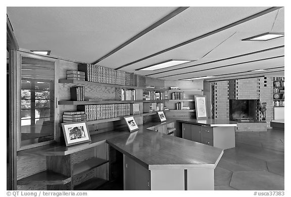 Hexagonally shaped desks in library, Hanna House. Stanford University, California, USA (black and white)