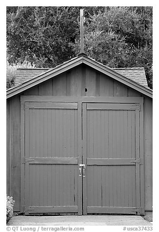 Hewlett-Packard garage, birthplace of Silicon Valley. Palo Alto,  California, USA (black and white)