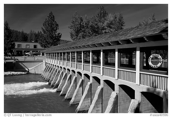 Lake Tahoe Dam at the outlet of Lake Tahoe, the source of the Truckee River, California. USA (black and white)