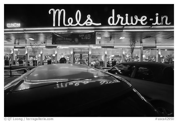 Mels drive-in restaurant at night. San Francisco, California, USA (black and white)