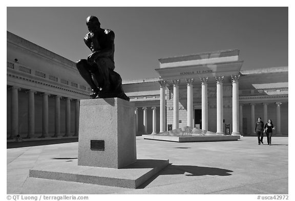 Forecourt of California Palace of the Legion of Honor with The Thinker by Auguste Rodin. San Francisco, California, USA (black and white)