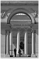 Entrance, Rodin sculpture, and tourists, California Palace of the Legion of Honor museum. San Francisco, California, USA (black and white)
