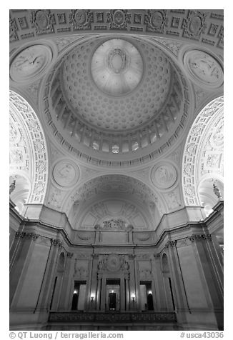 Rotunda and Dome, City Hall. San Francisco, California, USA (black and white)