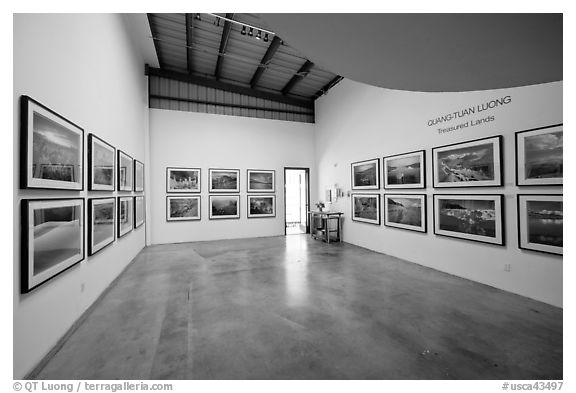 Photographic exhibition in gallery, Bergamot Station. Santa Monica, Los Angeles, California, USA (black and white)