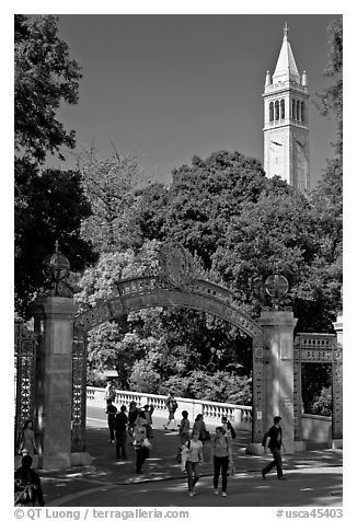 Sather Gate and Campanile, UC Berkeley. Berkeley, California, USA (black and white)