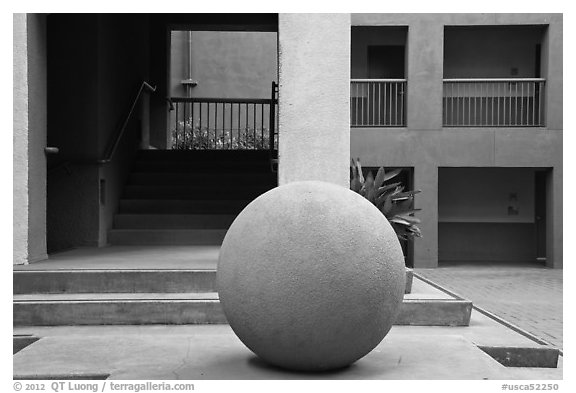 Schwab Residential Center, Stanford Business School. Stanford University, California, USA (black and white)