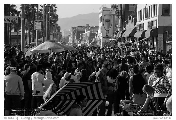 Crowds on Ocean Front Walk. Venice, Los Angeles, California, USA (black and white)