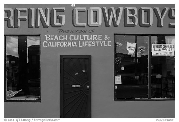 Surfing Cowboys storefront. Venice, Los Angeles, California, USA (black and white)