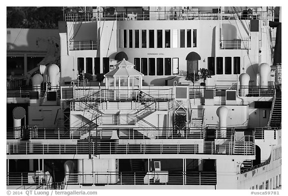 Detail of Queen Mary stern. Long Beach, Los Angeles, California, USA (black and white)