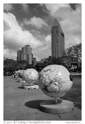 Globes, embarcadero. San Diego, California, USA (black and white)