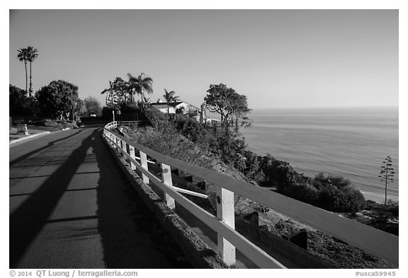 Residential street overlooking Pacific Ocean, Malibu. Los Angeles, California, USA (black and white)