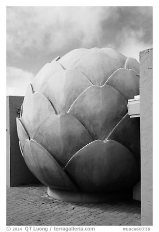 Giant Artichoke, Castroville. California, USA (black and white)