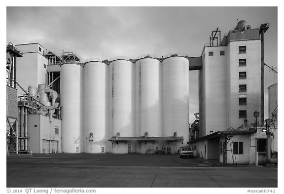 Grain silo. California, USA (black and white)