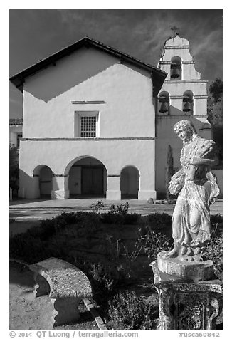 Statue and Mission San Juan Bautista. San Juan Bautista, California, USA (black and white)