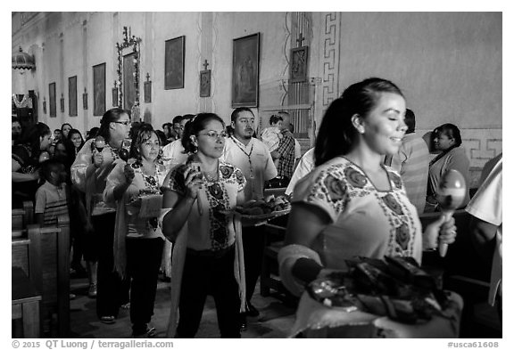 Mexican worshippers during festival, Mission San Miguel. California, USA (black and white)