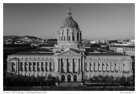 Aerial view of City Hall. San Francisco, California, USA (black and white)