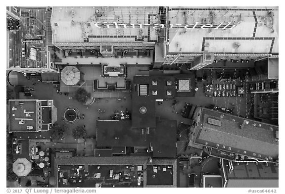 Aerial view of Ghirardelli Square courtyard looking down. San Francisco, California, USA (black and white)