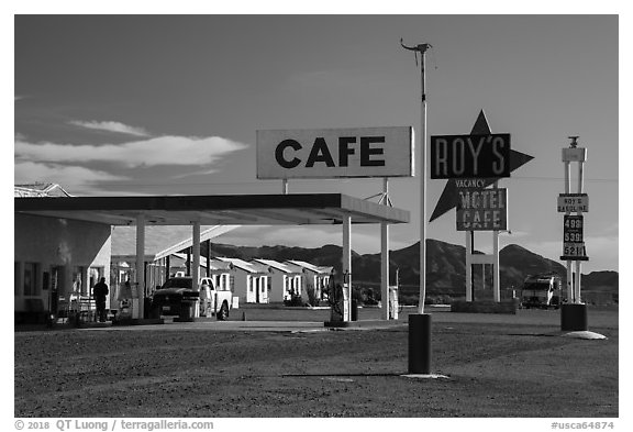 Roys Cafe, Amboy. California, USA (black and white)