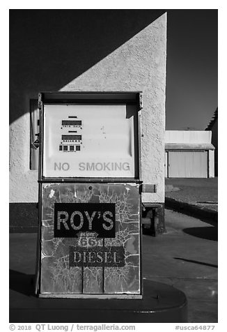 Roys gas pump, Amboy. California, USA (black and white)