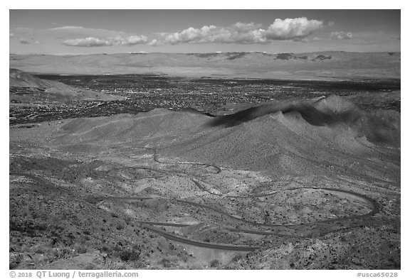Coachella Valley and Palms to Pines Scenic Highway. Santa Rosa and San Jacinto Mountains National Monument, California, USA (black and white)