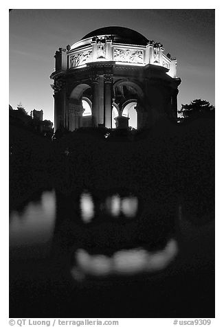 Rotunda of the Palace of Fine arts reflected in lagoon at  night. San Francisco, California, USA (black and white)