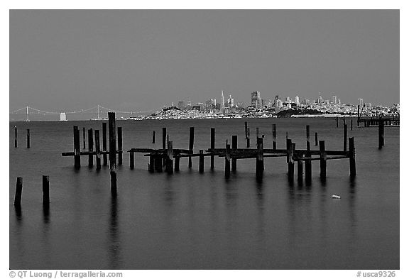 City  seen from Sausalito. San Francisco, California, USA (black and white)
