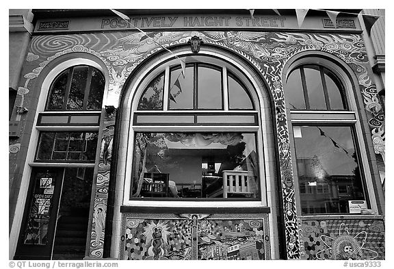 Positively Haight Street, Haight Ashbury district. San Francisco, California, USA (black and white)