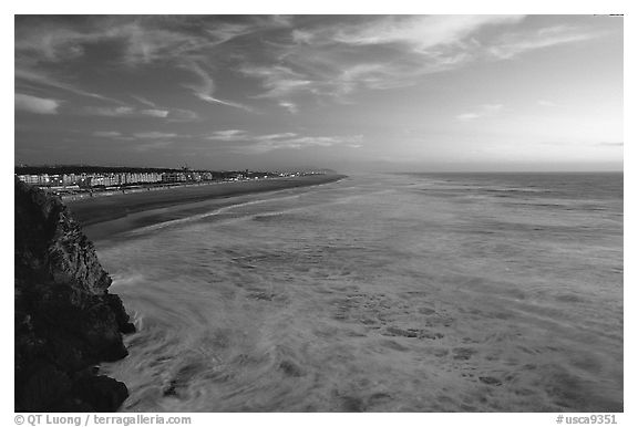 Ocean Beach at sunset, seen from the Cliff House. San Francisco, California, USA (black and white)
