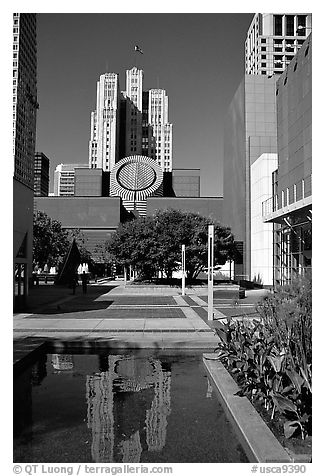 Museum of Modern Art from Yerba Buena Gardens. San Francisco, California, USA (black and white)