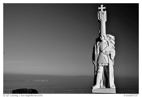Statue of Cabrillo, Cabrillo National Monument. San Diego, California, USA (black and white)