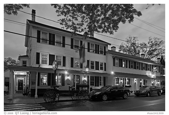 Griswold Inn at dusk, Essex. Connecticut, USA (black and white)