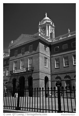 Old Connecticut State House. Hartford, Connecticut, USA (black and white)