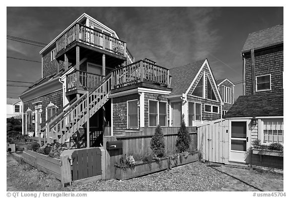 Beach and houses, Provincetown. Cape Cod, Massachussets, USA (black and white)