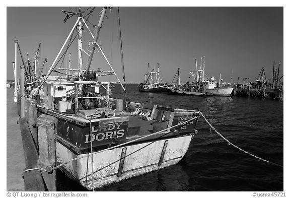 Commercial fishing boat, Provincetown. Cape Cod, Massachussets, USA (black and white)