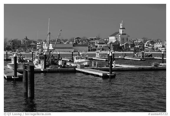 Harbor, beach, and town, Provincetown. Cape Cod, Massachussets, USA (black and white)