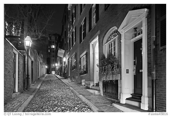Cobblestone narrow street by night, Beacon Hill. Boston, Massachussets, USA (black and white)