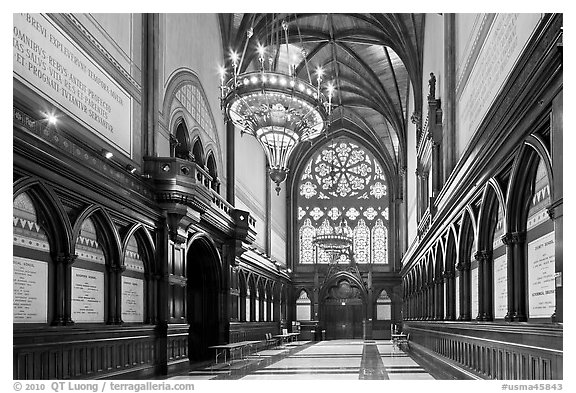 Memorial Transept, Memorial Hall, Harvard University, Cambridge. Boston, Massachussets, USA (black and white)