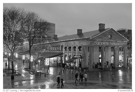 Faneuil Hall Marketplace at dusk. Boston, Massachussets, USA (black and white)